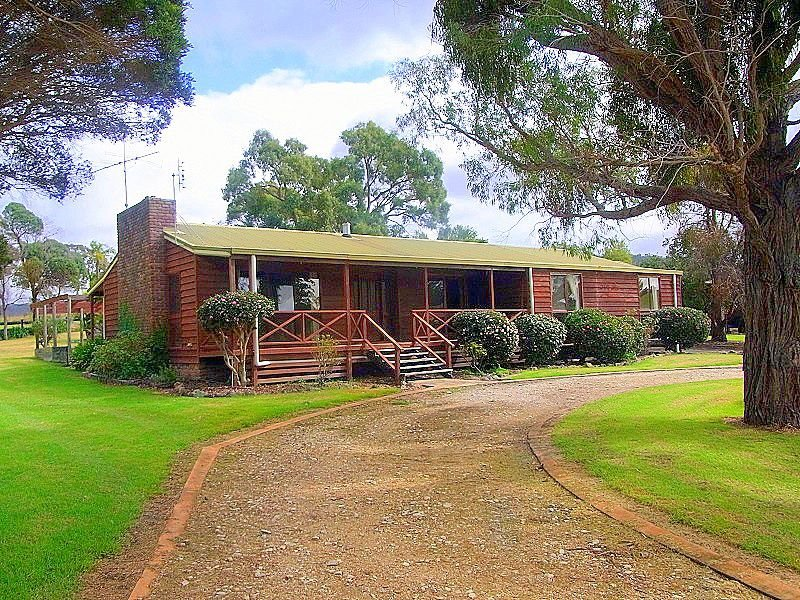 561 Back Creek Road, Lochiel, NSW 2549