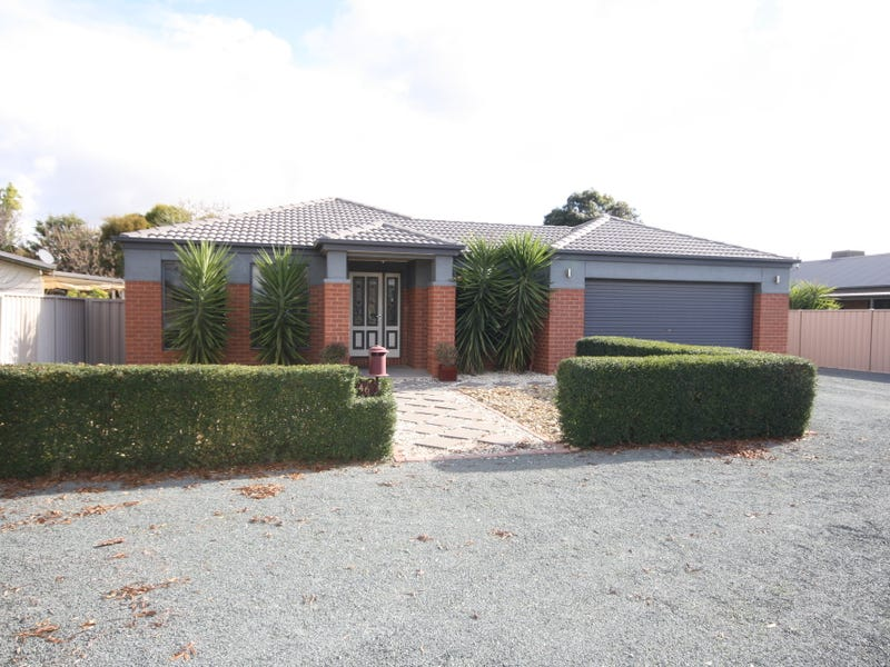 46 Kerford Street, Rochester, Vic 3561