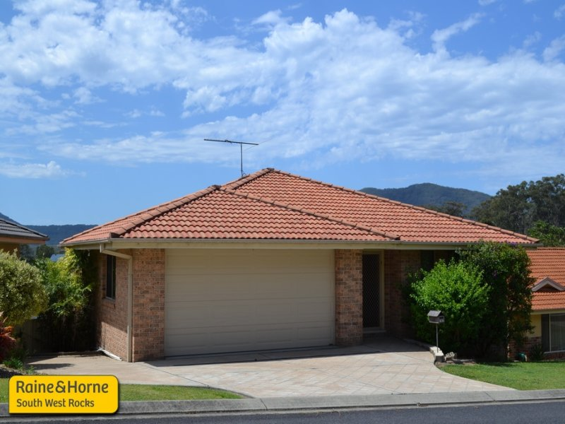 15 Peter Mark Circuit, South West Rocks, NSW 2431