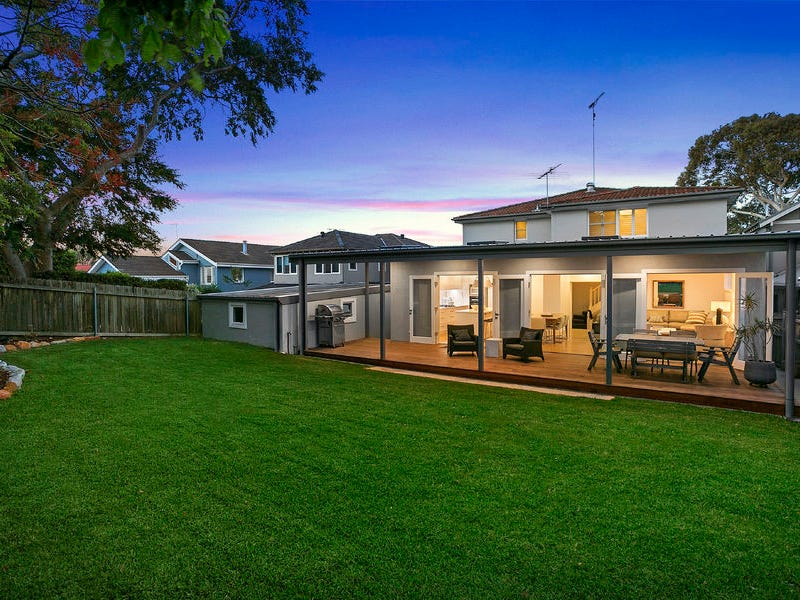 4 Narooma Road, Northbridge, NSW 2063