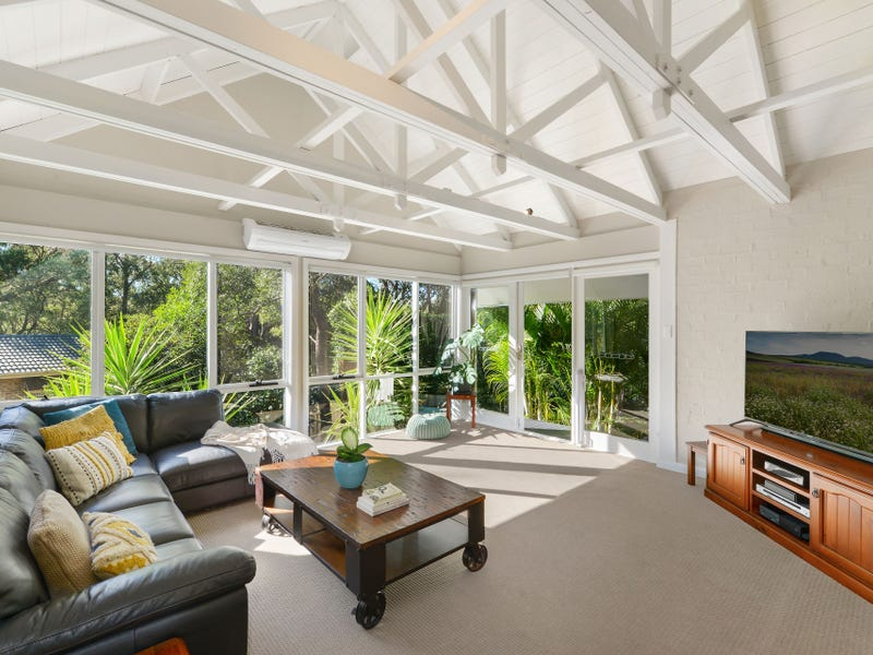 62 Tamarind Drive, Cordeaux Heights, NSW 2526