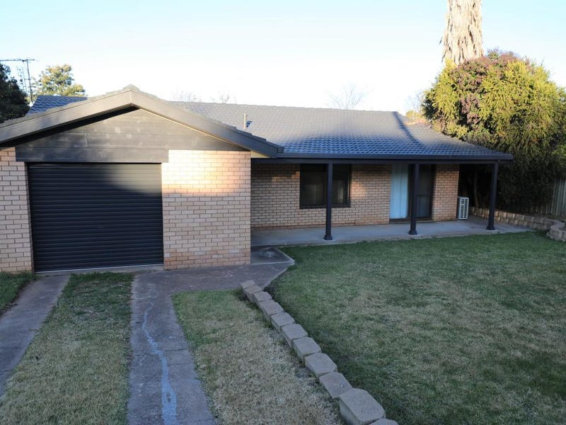 16 COWPER STREET, Young, NSW 2594
