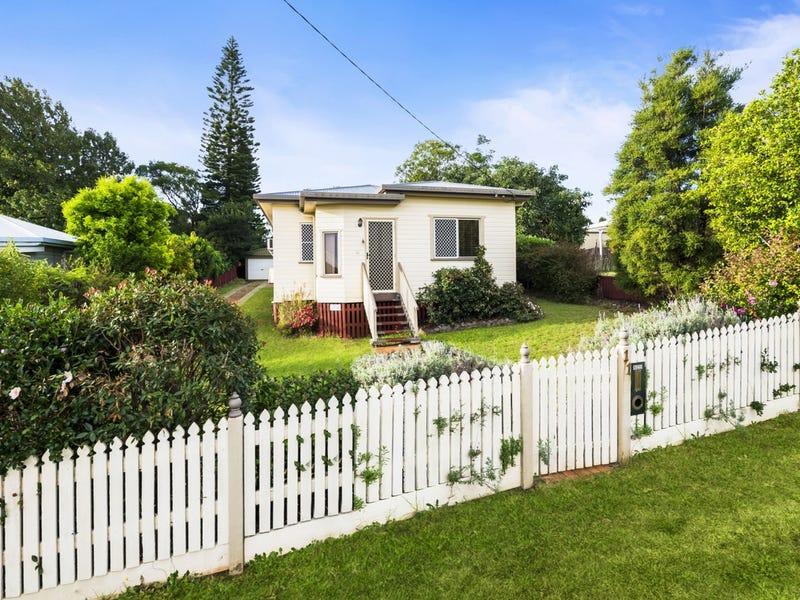 11 Mansford Street, North Toowoomba, Qld 4350