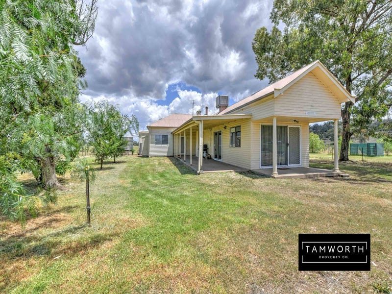 752 New England Highway- House Block, Tamworth, NSW 2340
