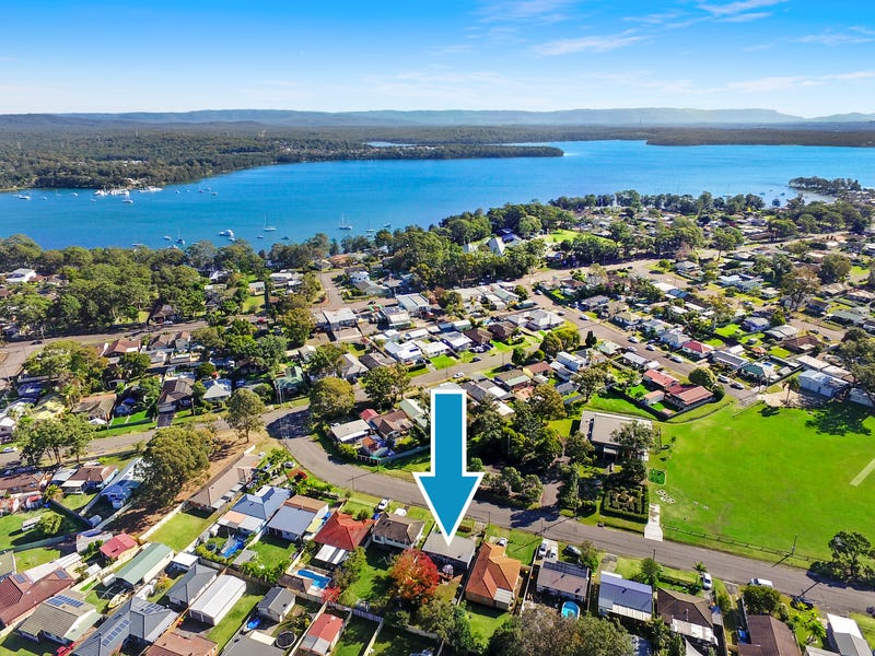 11 Dunvegan st, Mannering Park, NSW 2259