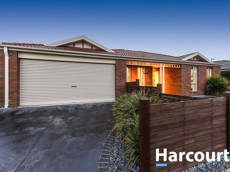 16 Bundoran Avenue, Cranbourne, Vic 3977