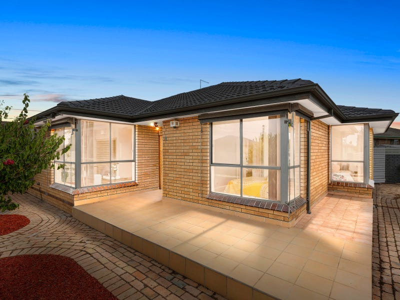 8 Roussac Court, Sunshine North, Vic 3020