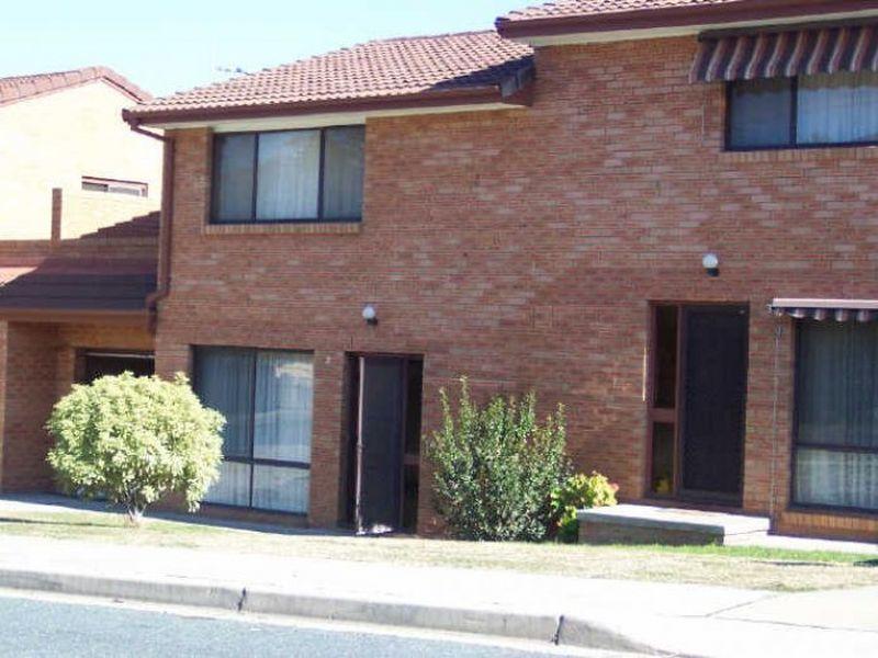 2/156 Carwoola Street, Queanbeyan, NSW 2620