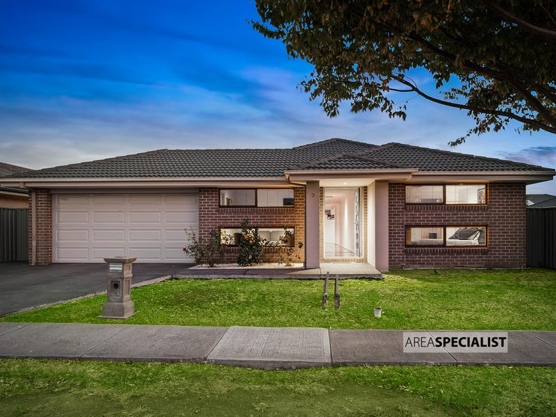 3 MONMOUTH ROAD, Cranbourne East, Vic 3977