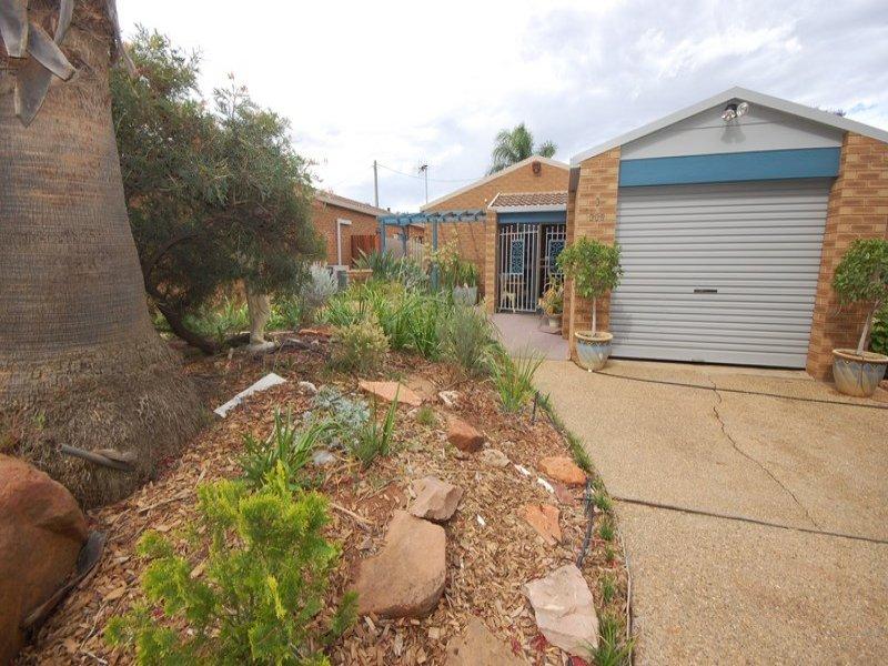3/309 Wakaden Street, Griffith, NSW 2680