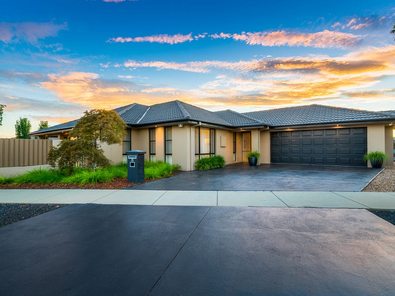 8 Cosy Crescent, Harrison, ACT 2914