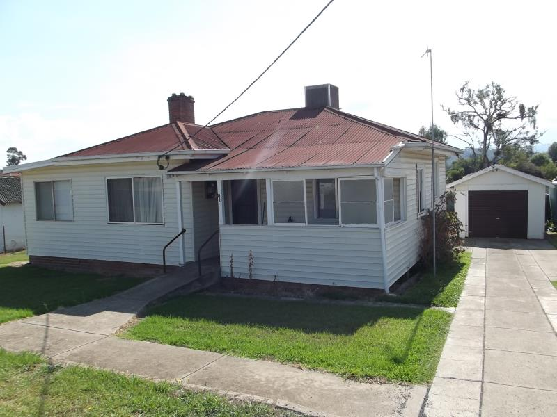 86 Russell Street, Tumut, NSW 2720