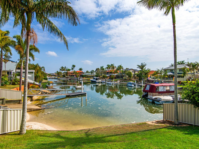 27 Tradewinds Avenue, Paradise Point, Qld 4216