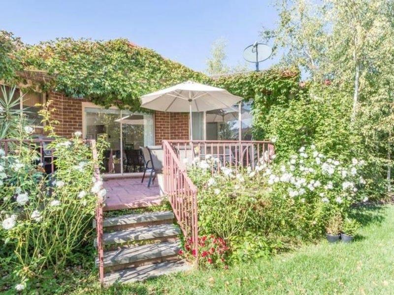 9 Jasmine Gardens, Jerrabomberra, NSW 2619