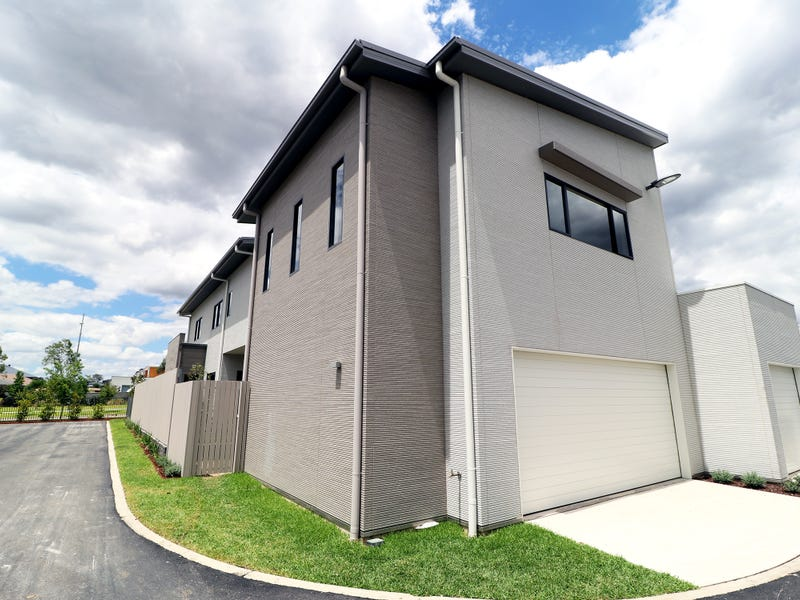 92A Fairbank Drive, Gledswood Hills, NSW 2557