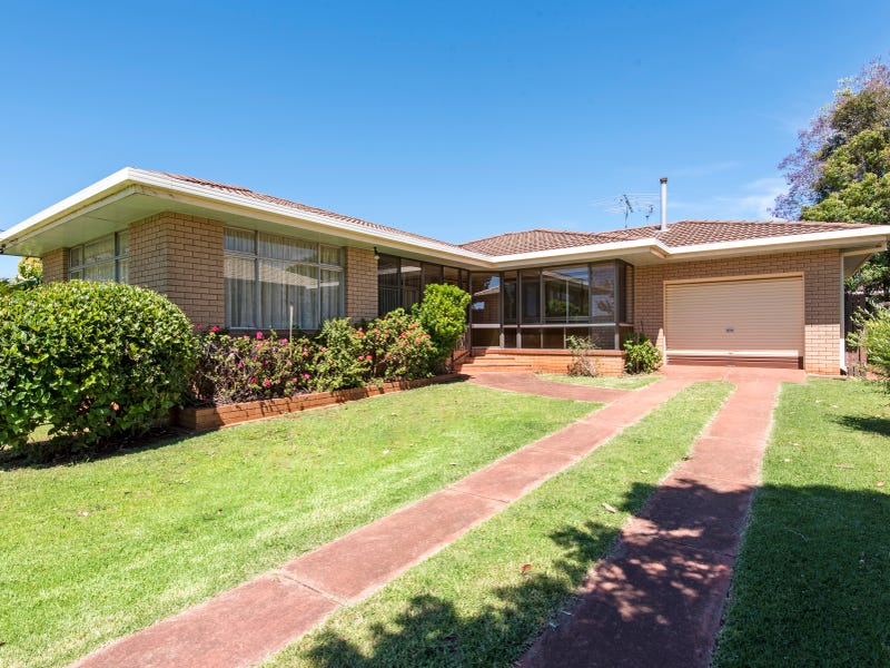 35 Paradise Street, Harristown, Qld 4350