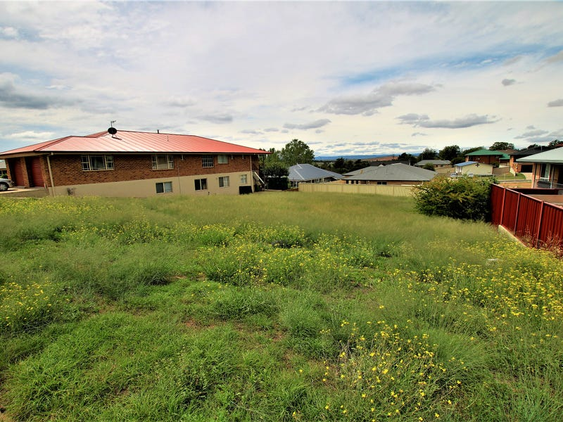 8 East Camp Drive, Cooma, NSW 2630