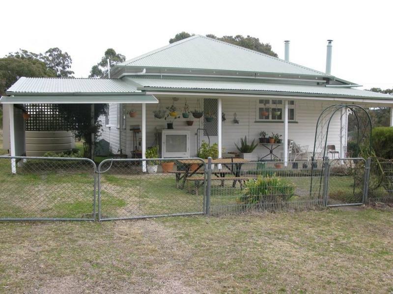 922 PUDDLEDOCK ROAD, Armidale, NSW 2350