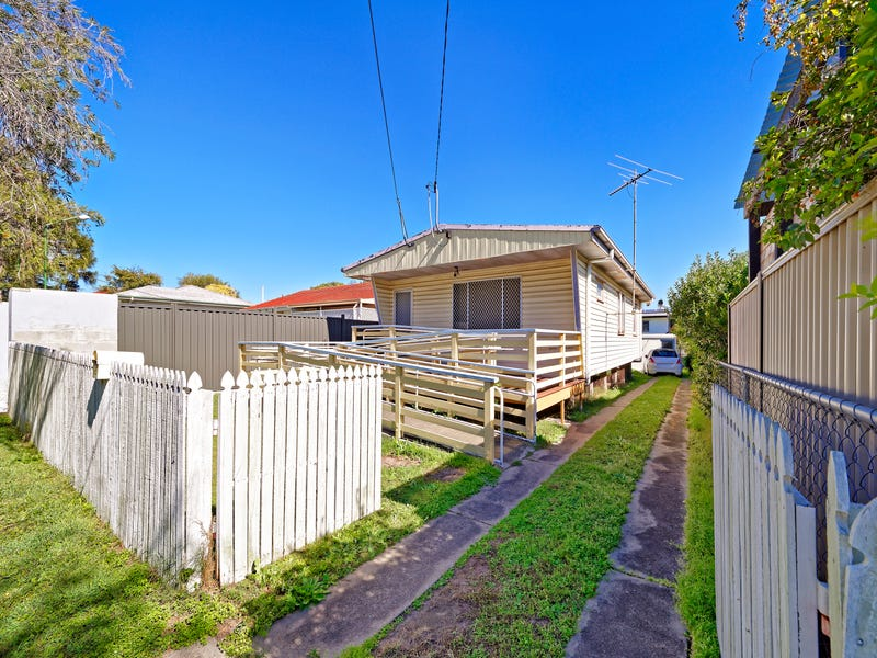 95 Dover Road, Redcliffe