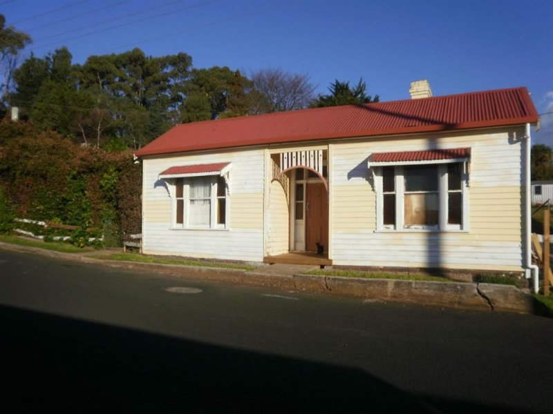12 King Edward Street, Penguin, Tas 7316
