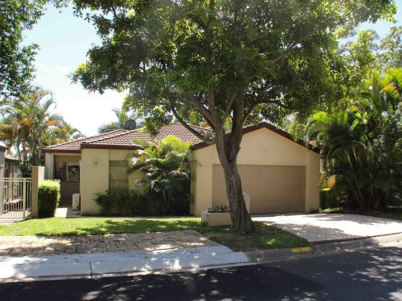 5 Siena Place, Coombabah, Qld 4216