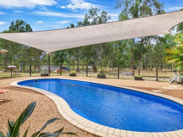 35 Pepperina Drive, Stockleigh