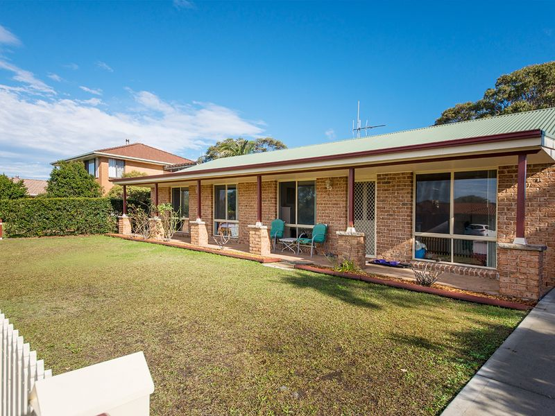 1 Rushby Drive, Old Bar, NSW 2430