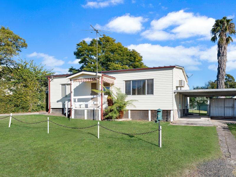 9 First Street, Warragamba, NSW 2752