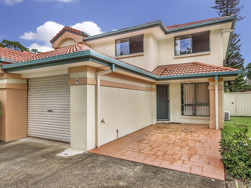 9/2 Pappas Way, Carrara, Qld 4211
