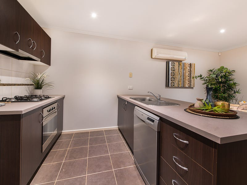 14 Tyndall Street, Cranbourne East, Vic 3977