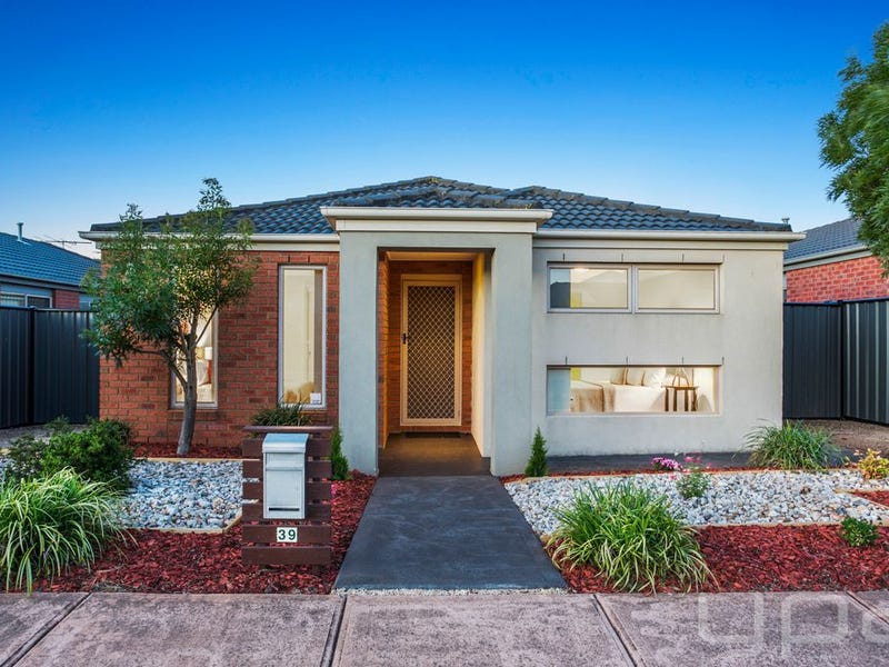 39 Dargy Amble, Point Cook, Vic 3030