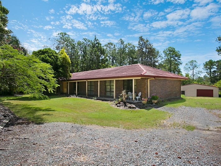 4 Russell Road, Gaven, Qld 4211
