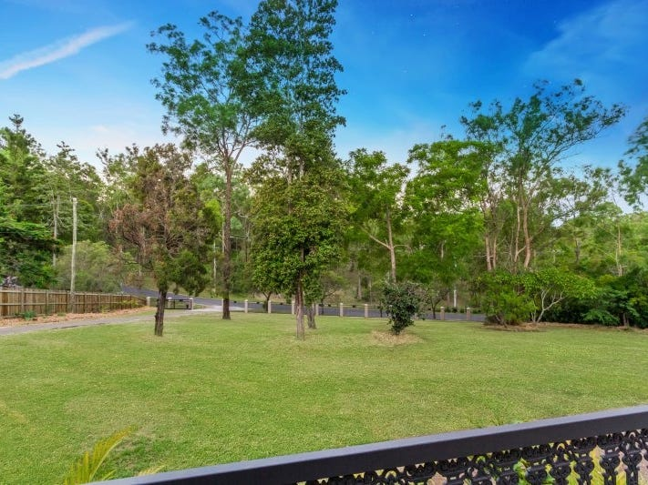 57 LAYFIELD RD, Anstead, Qld 4070