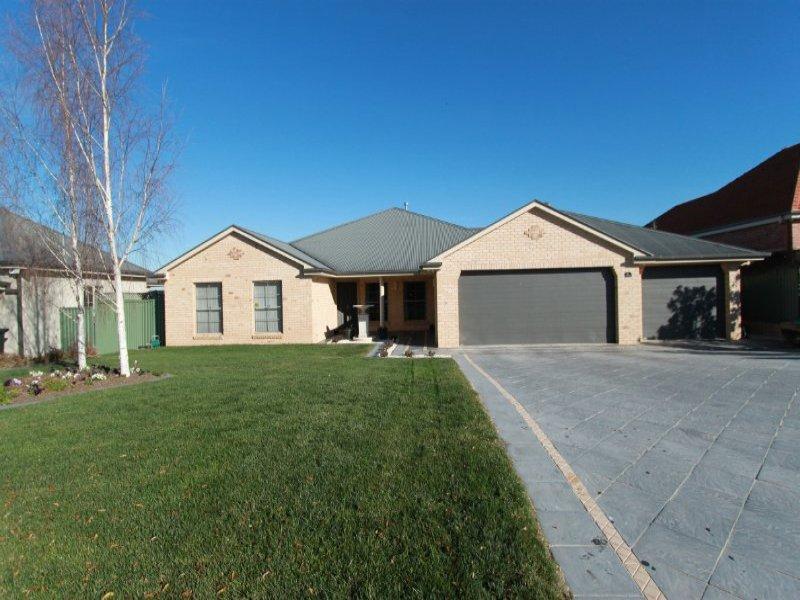 32 James Barnet Drive, Kelso, NSW 2795