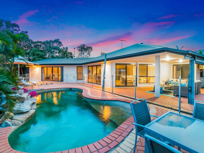 1 Sternlight Court, Raby Bay