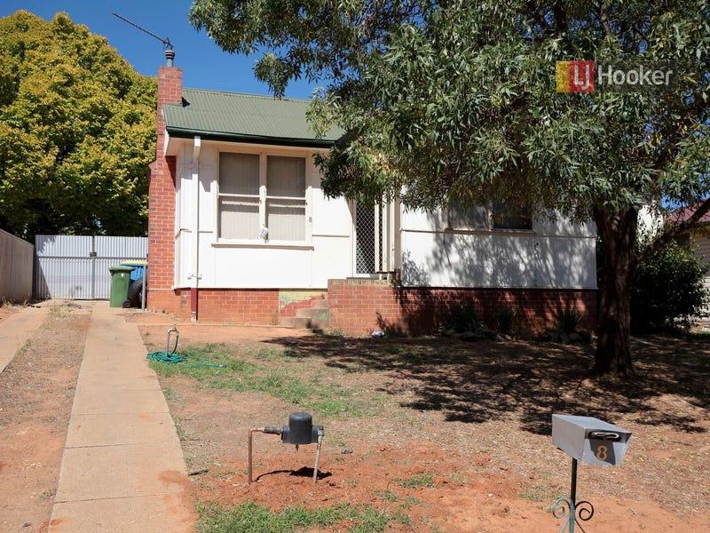 8 Phillip Avenue, Mount Austin, NSW 2650