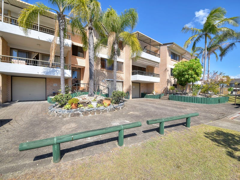 6/1 Angie Court, Mermaid Waters, Qld 4218