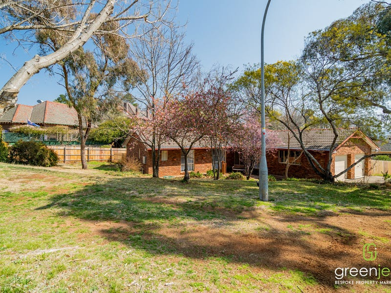 27 Bishops Crescent, Armidale, NSW 2350