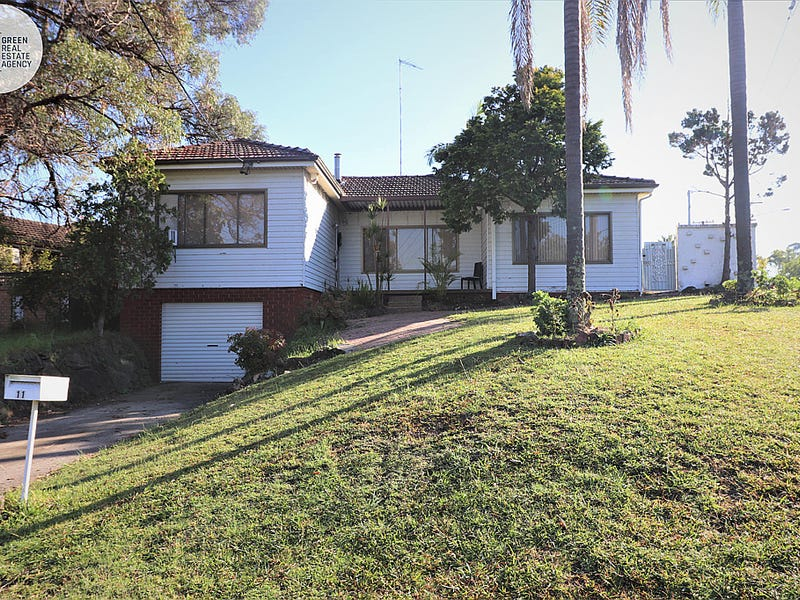 11 Horbling Avenue, Georges Hall, NSW 2198
