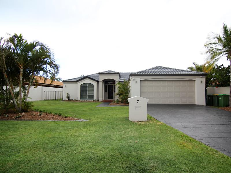 7 The Parade, Helensvale, Qld 4212