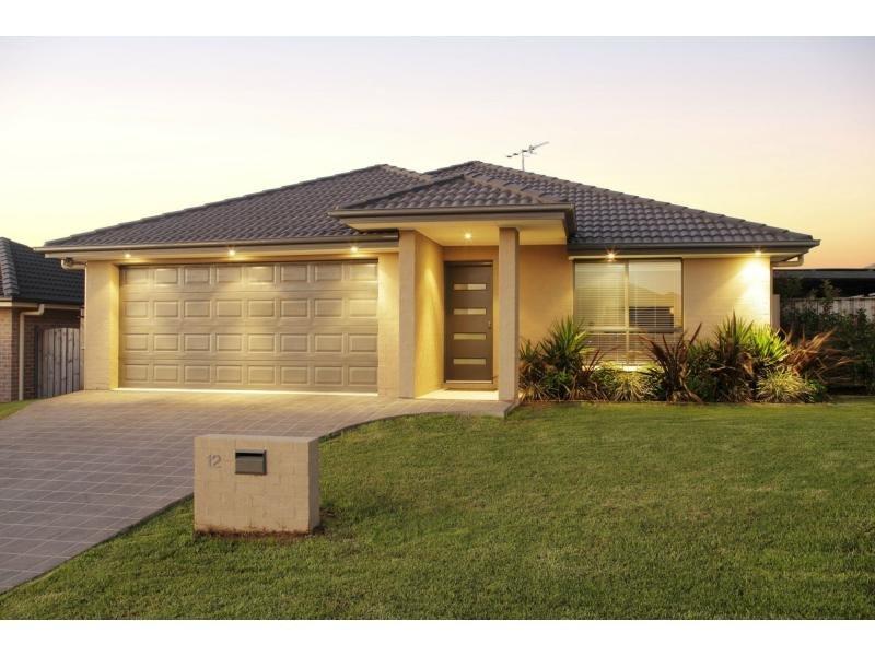 12 Farmgate Row, East Branxton, NSW 2335