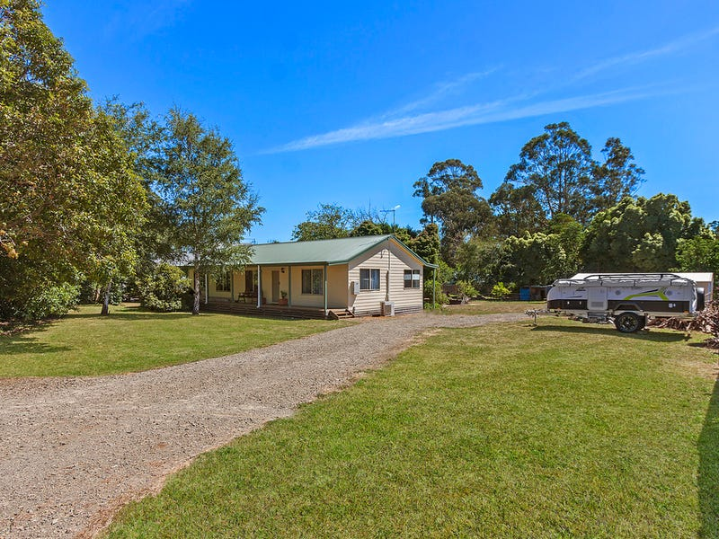 17 Victoria Road, Kinglake, Vic 3763