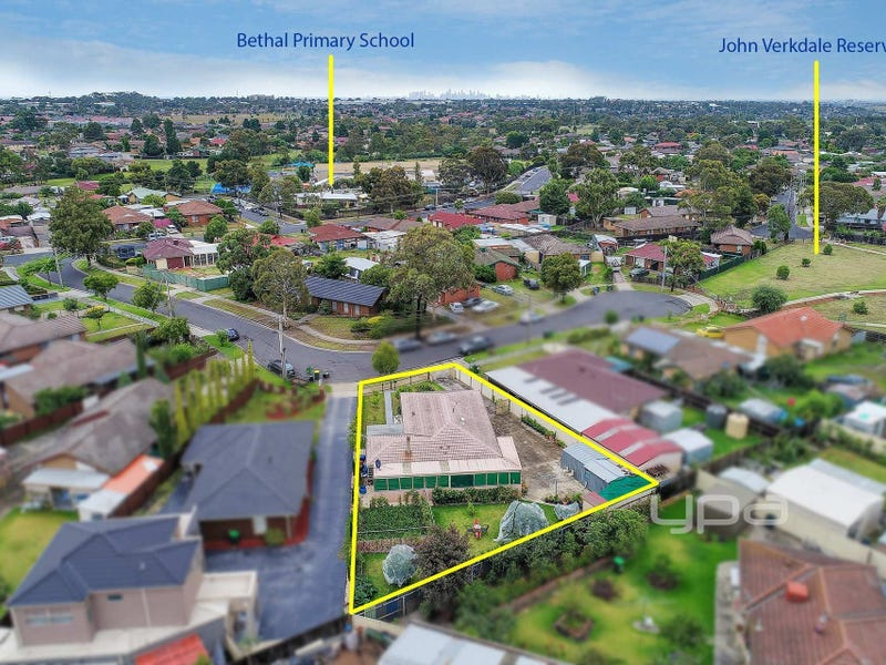 16 Inverleigh Court, Meadow Heights, Vic 3048