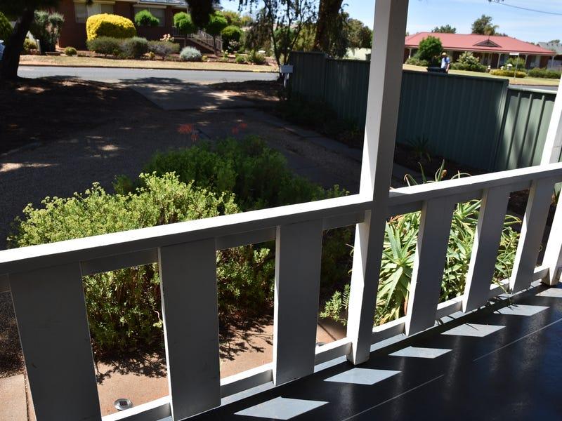 60 JELLICOE STREET, Temora, NSW 2666
