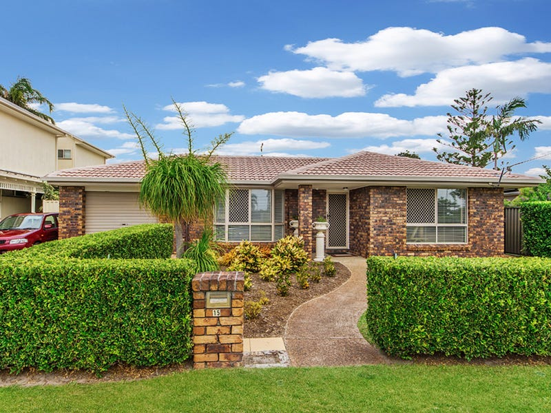 15 The Esplanade, Jacobs Well, Qld 4208