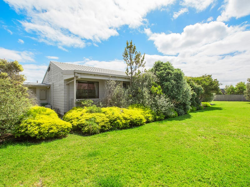24 Malcalm Avenue, Surf Beach, Vic 3922