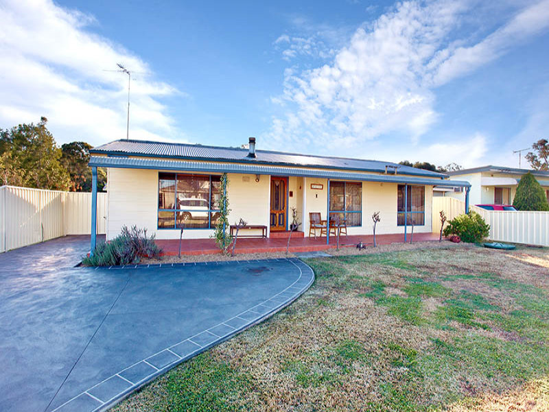 10 Hughes St, Londonderry, NSW 2753
