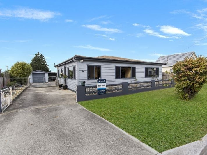 16 Kitchener Avenue, Beauty Point, Tas 7270