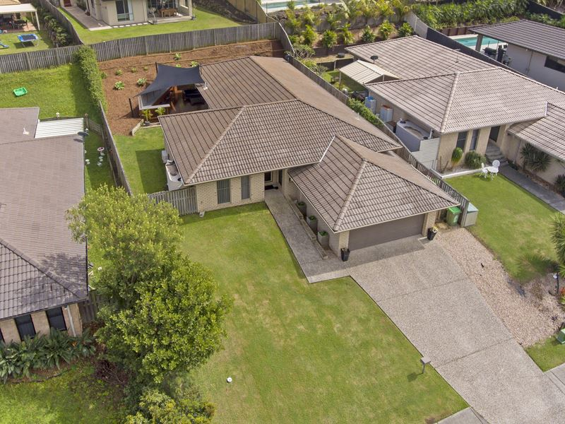 10 Hawkesbury Avenue, Pacific Pines, Qld 4211