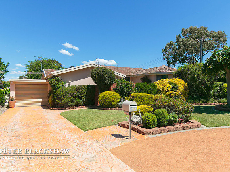 32 Wittenoom Crescent, Stirling, ACT 2611